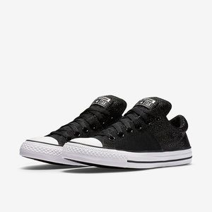 CONVERSE CHUCK TAYLOR METALLIC LEATHER IN BLACK